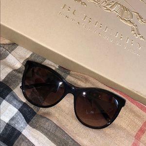 Burberry sunglasses!